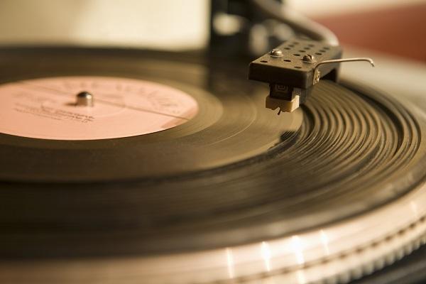 レアなレコードやCDを個人輸入するなら海外の転送会社を利用するとお得!